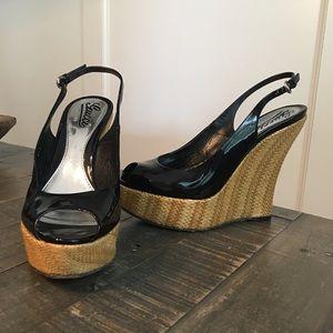 Gucci Starfish Black Patent Leather Raffia Wedge